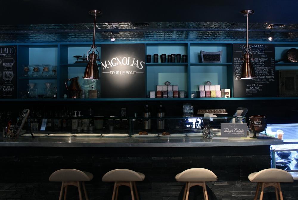 Dallas Coffee Shop Guide Magnolias by miami blogger Zeinab kristen of RunawayHabit.com / Travel & lifestyle blog