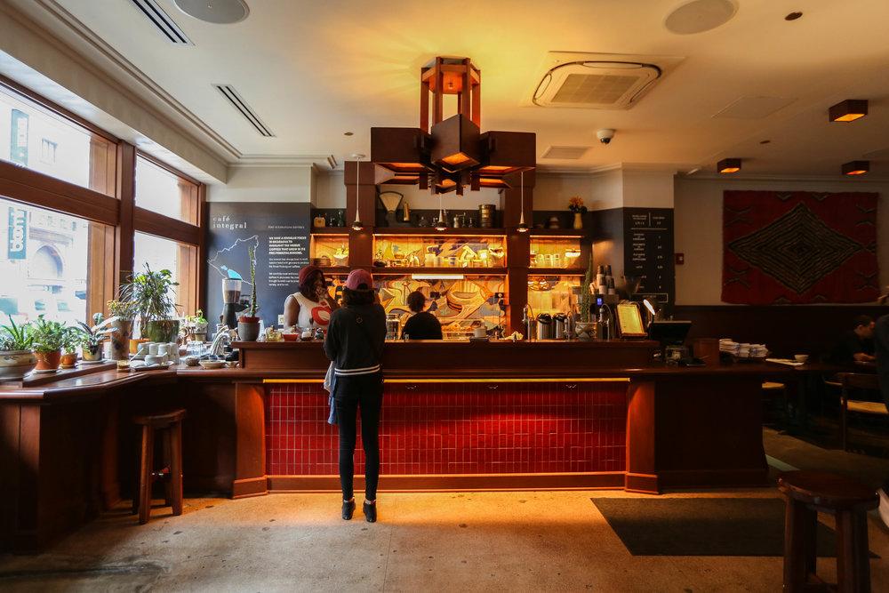 travel photographer zeinab kristen cafe integral