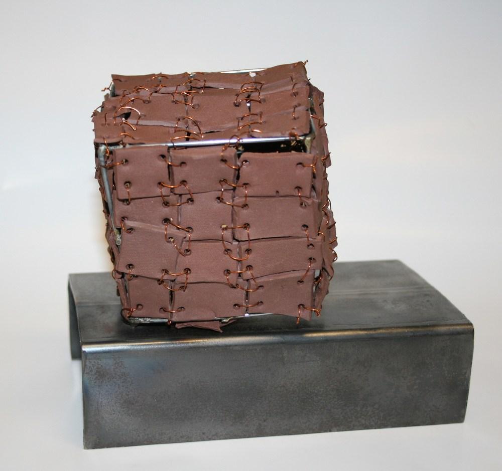 101a Gush, Dav?id - ???m?tri  sk w?r, iron,clay and wire?.jpg