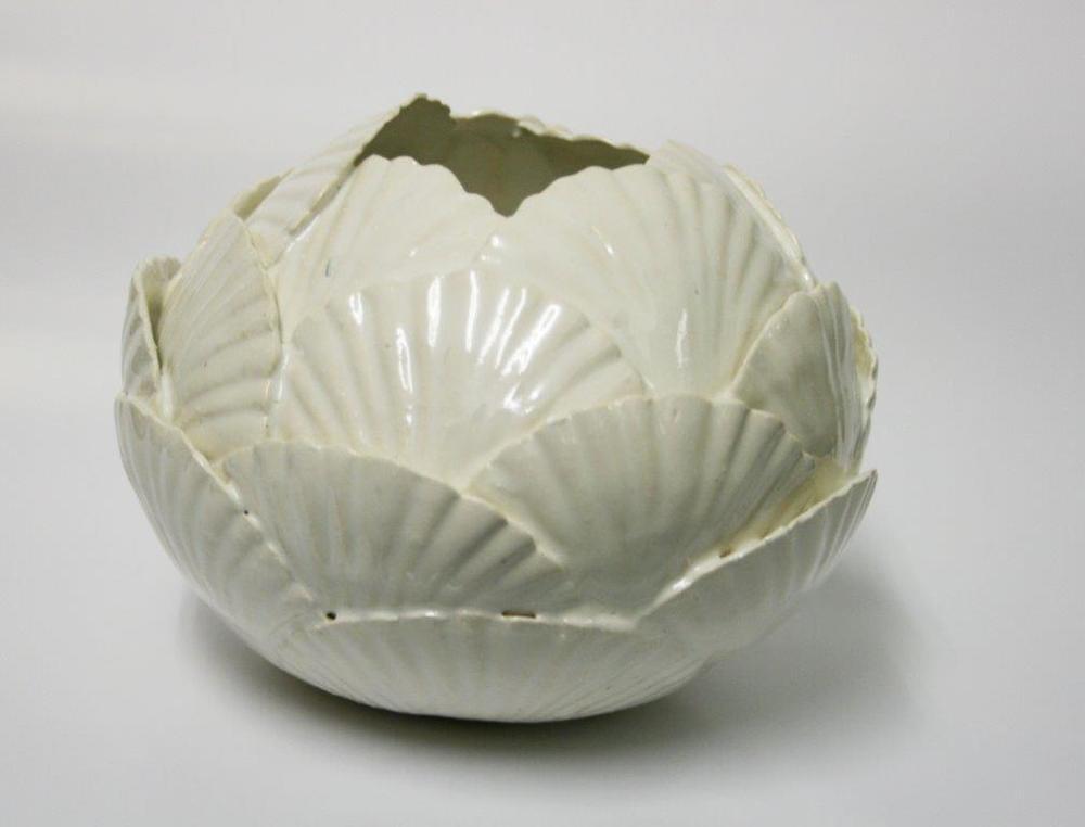 105 Hawley, Natasha - Shell Vase, ceramic.jpg