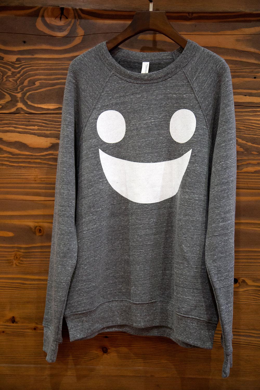 CG-Smile-SweatShirt_8Y1A1813.jpg