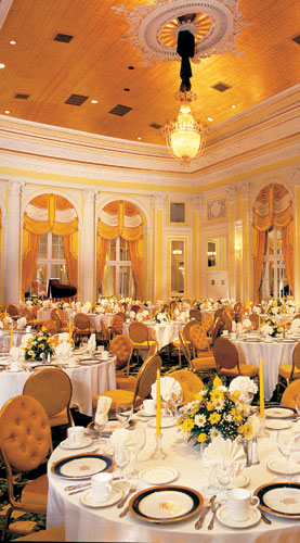 hospitality-amway-pantlind-ballroom-table.jpg
