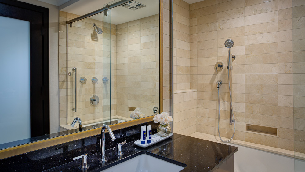 Tower_Luxury_Bath-132612_dhp-Edit.jpg