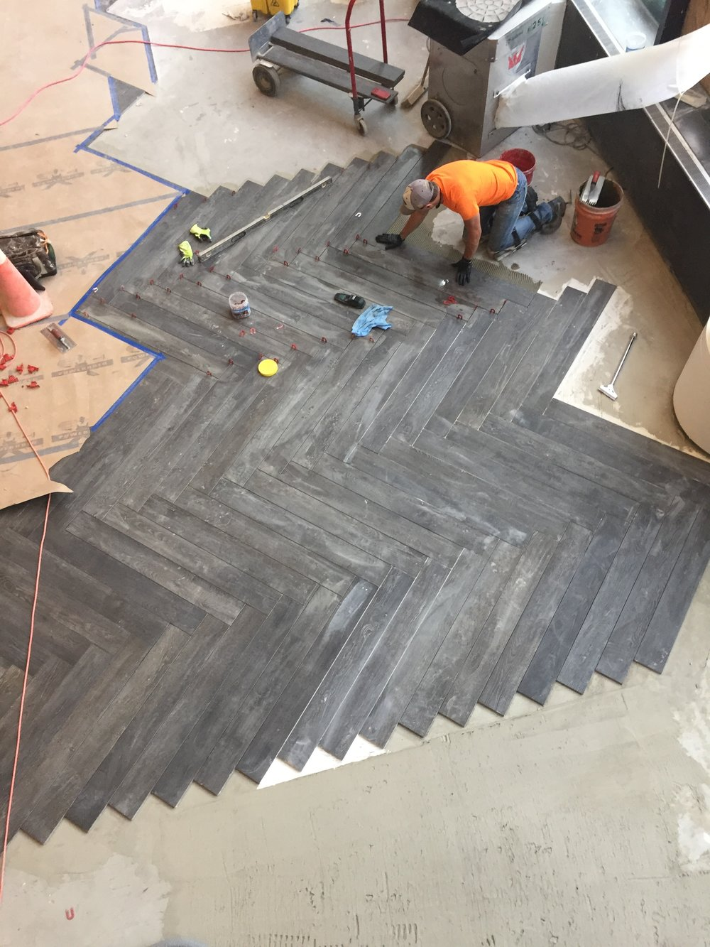 Rendezvous - floor installation