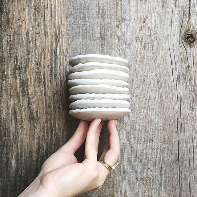 Added some new carved porcelain ring dishes to the shop today ✨  I've always been hesitant to use porcelain, but I'm happy to say it's been going great so far!!! Using a locally made porcelain from Armadillo Clay.  About to handle some mugs though, so I'll report back on my outlook later this week 🤞 . . .  #handbuilt #handbuilding #porcelain #ringdish #carved #austinart #austinartist #austinartists #madeintexas #pottery #ceramics #potterylove #giftset #curatedgifts #handmadeheirloom #darlingmoment #heirloom #keepsake #bridalpartygifts #bridesmaidgifts #jewelrydish #stack