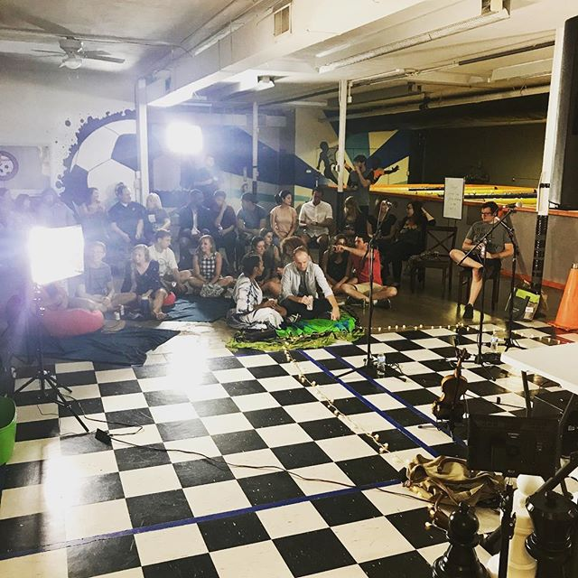When @sofarstl takes over...Great things happen! Shout out to @madkeys_ @leonasmusic @zoenutt