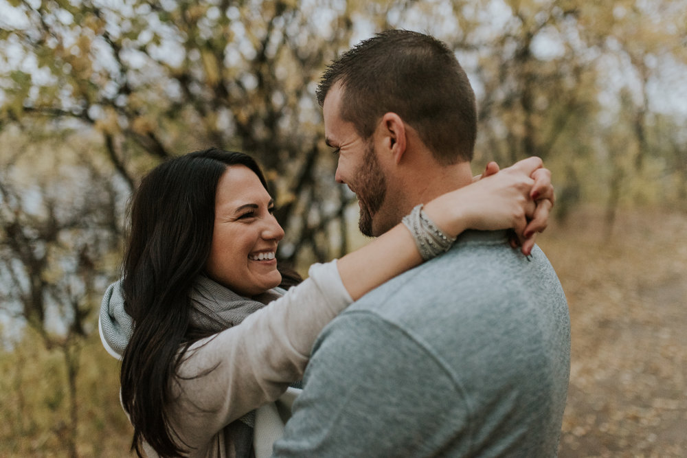 engagement-anniversary-dog-pictures-fall-10.jpg