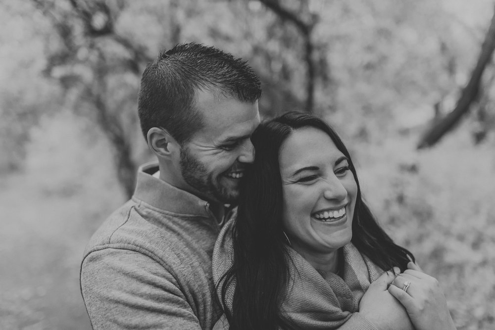 engagement-anniversary-dog-pictures-fall-14.jpg