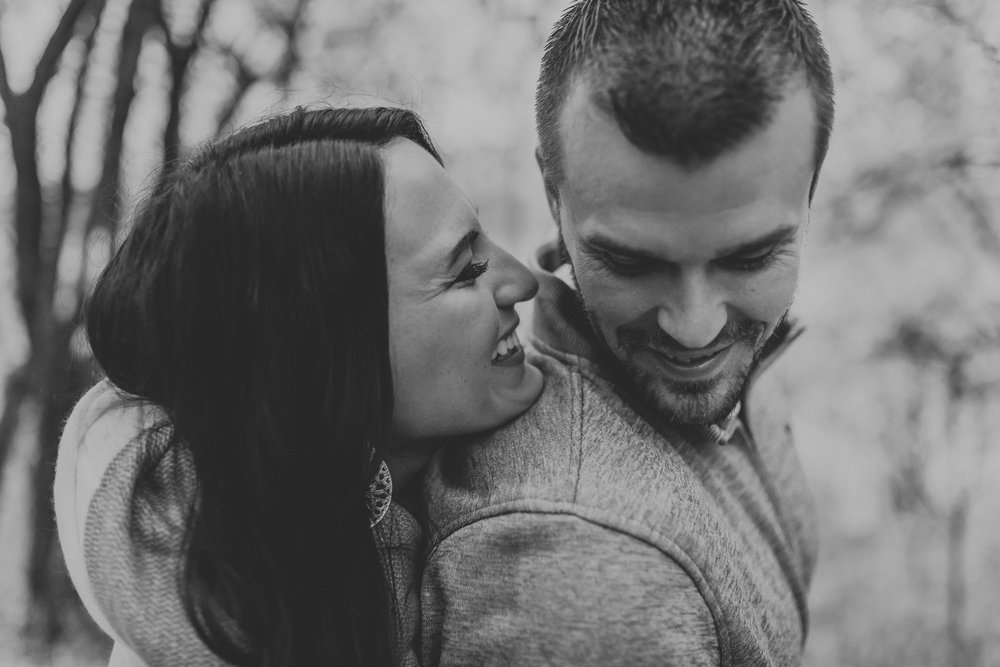 engagement-anniversary-dog-pictures-fall-16.jpg