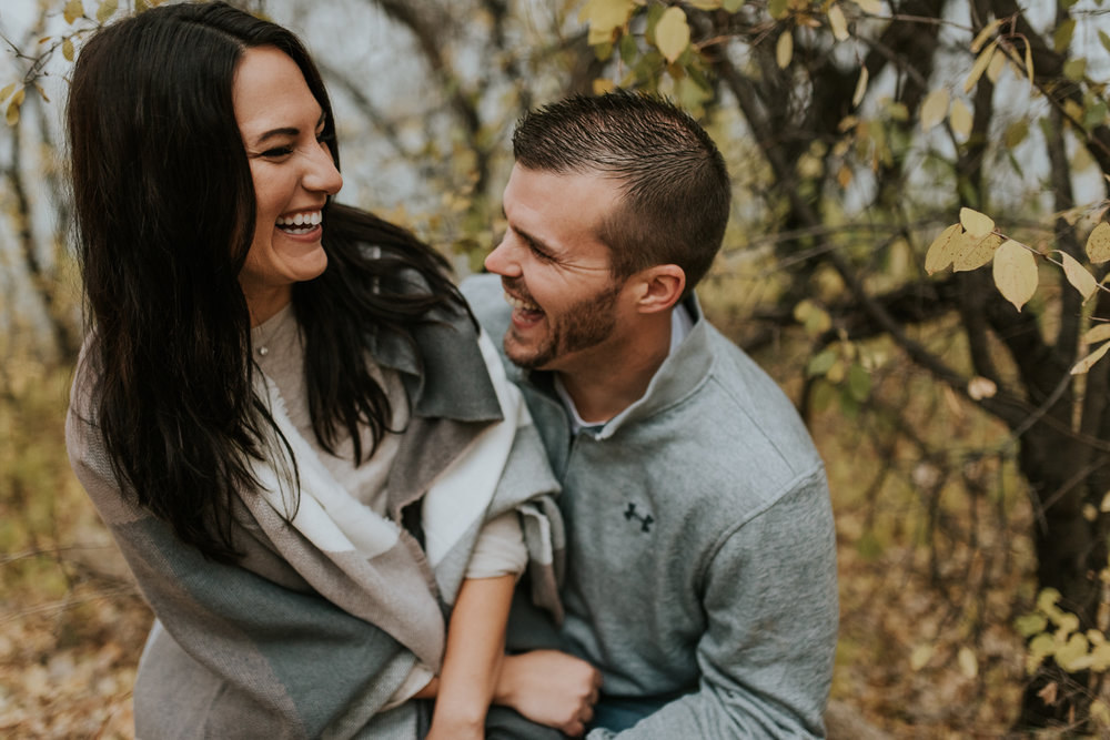 engagement-anniversary-dog-pictures-fall-17.jpg
