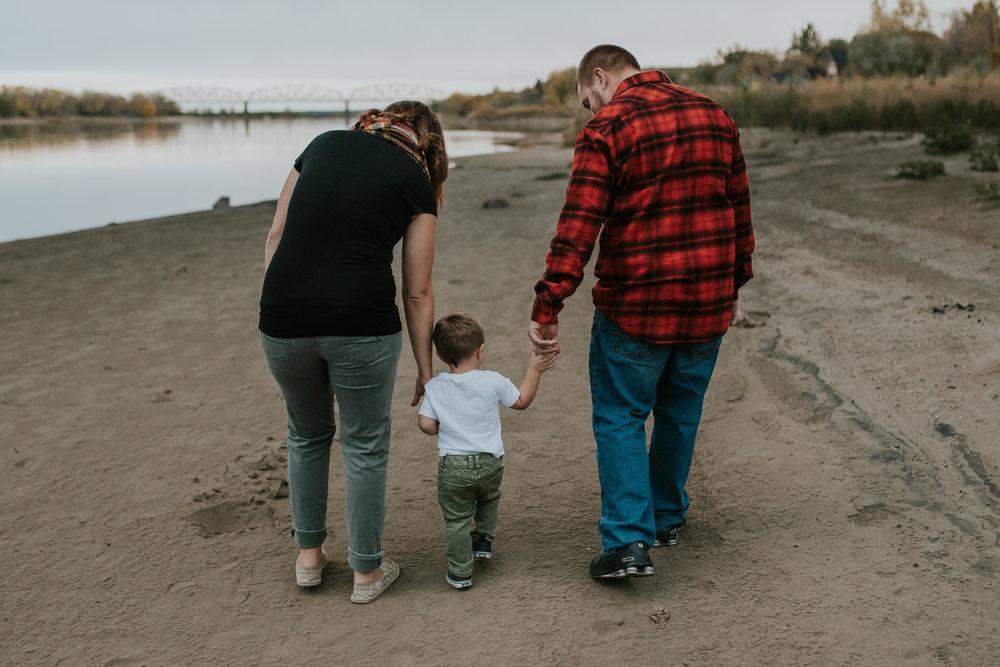 fall-family-river-kylene-bismarck-photos-1.jpg