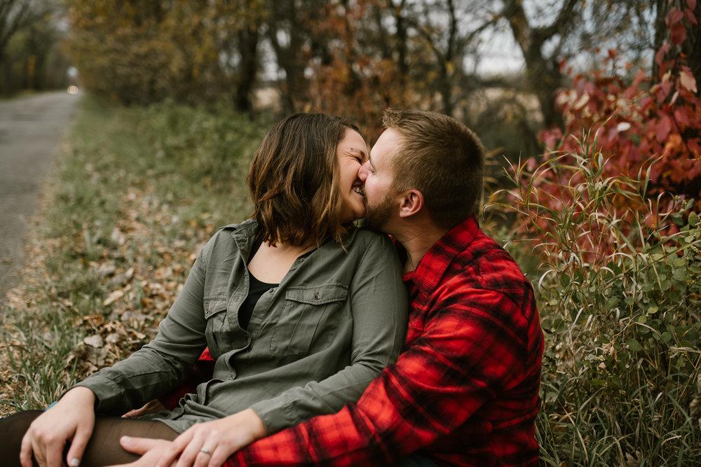 fall-engagement-bismarck-photos-7.jpg