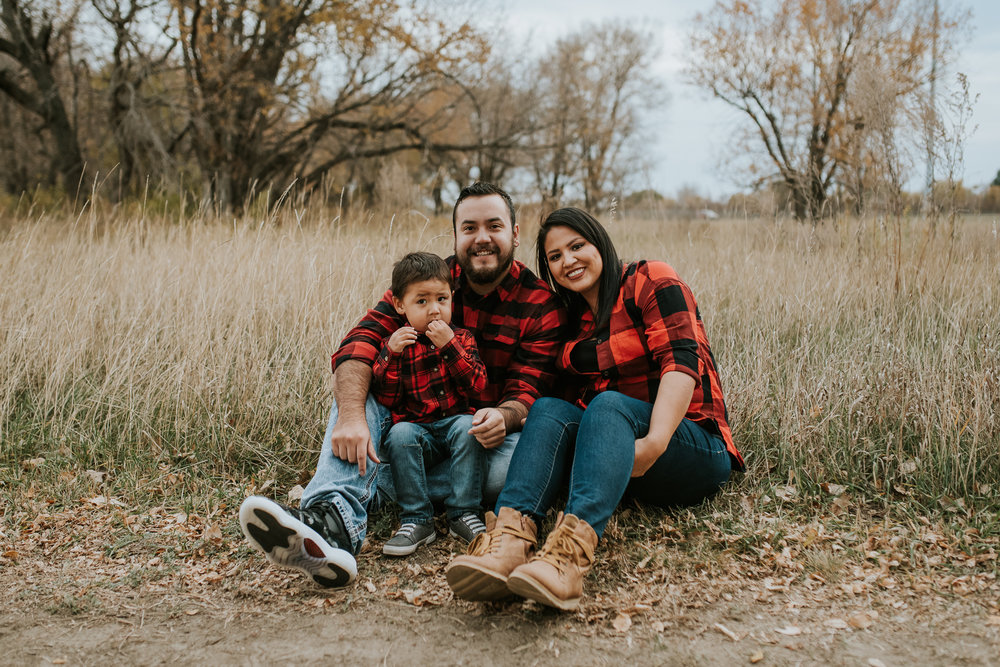 flannel-plaid-family-pictures-bismarck-fall-5.jpg