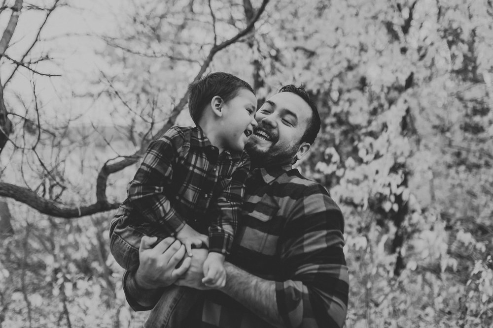 flannel-plaid-family-pictures-bismarck-fall-8.jpg