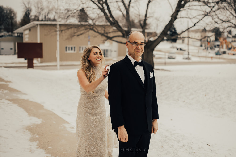 giannonatti-minnesota-winter-wedding-43.jpg