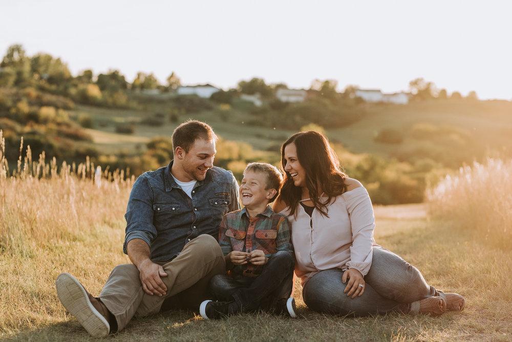 bismarck-engagement-family-photographer-3.jpg