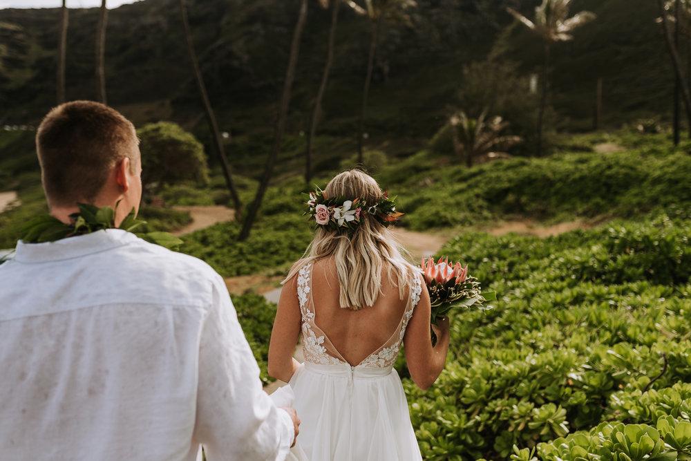 hawaii-wedding-destination-photographer-oahu-13.jpg
