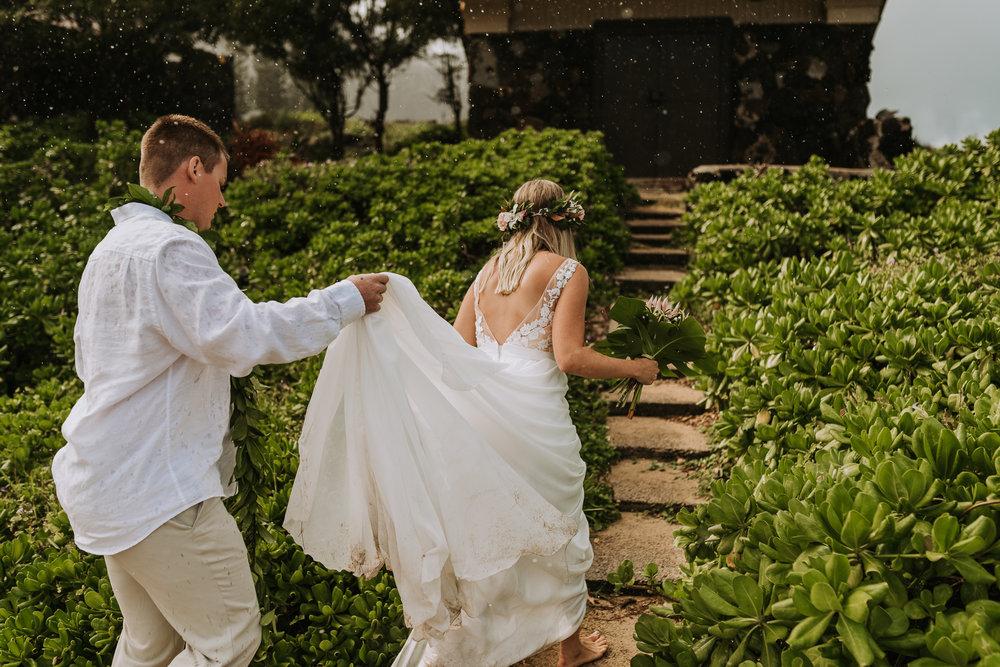 hawaii-wedding-destination-photographer-oahu-15.jpg