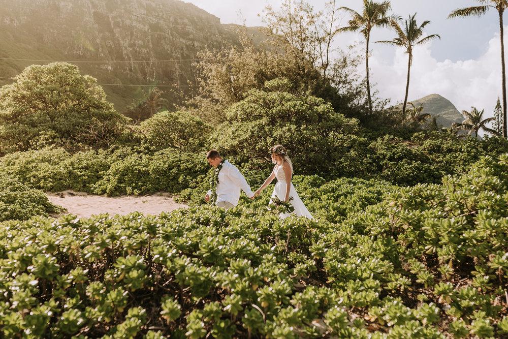 hawaii-wedding-destination-photographer-oahu-21.jpg