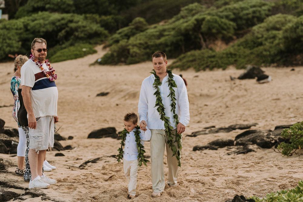 hawaii-wedding-destination-photographer-oahu-36.jpg