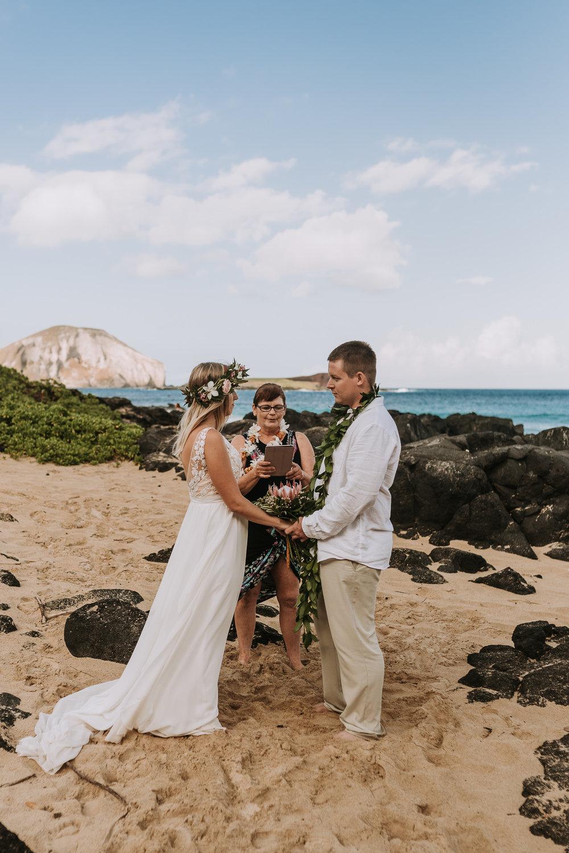 hawaii-wedding-destination-photographer-oahu-38.jpg