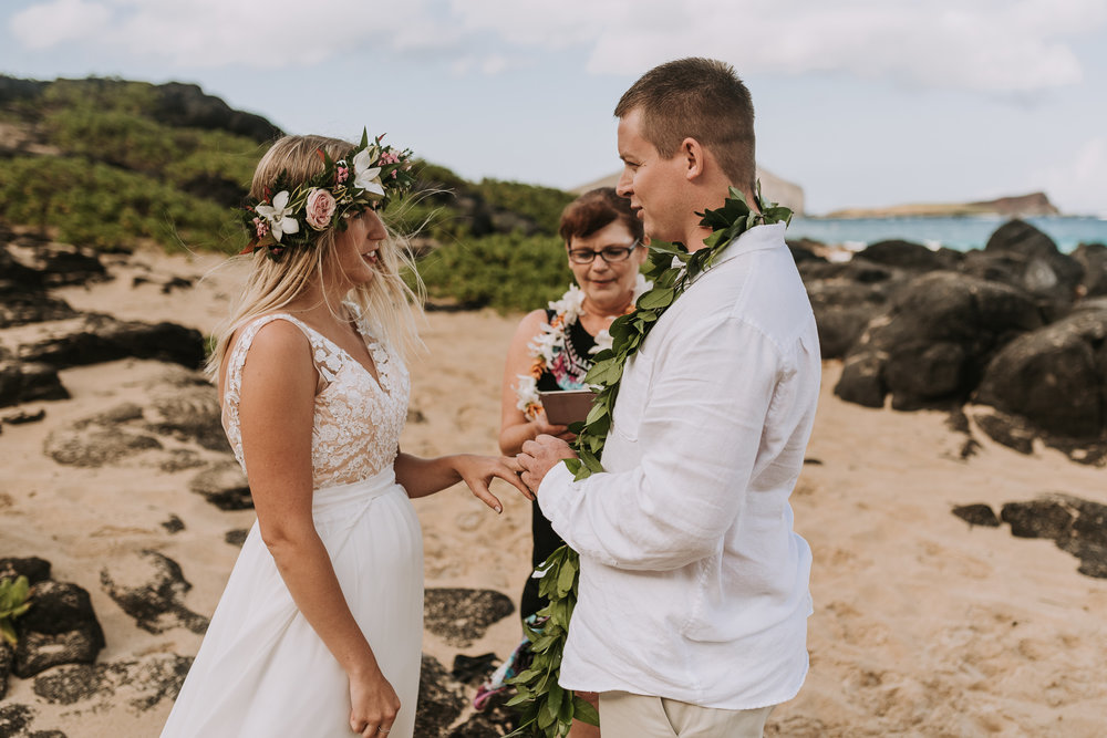 hawaii-wedding-destination-photographer-oahu-39.jpg