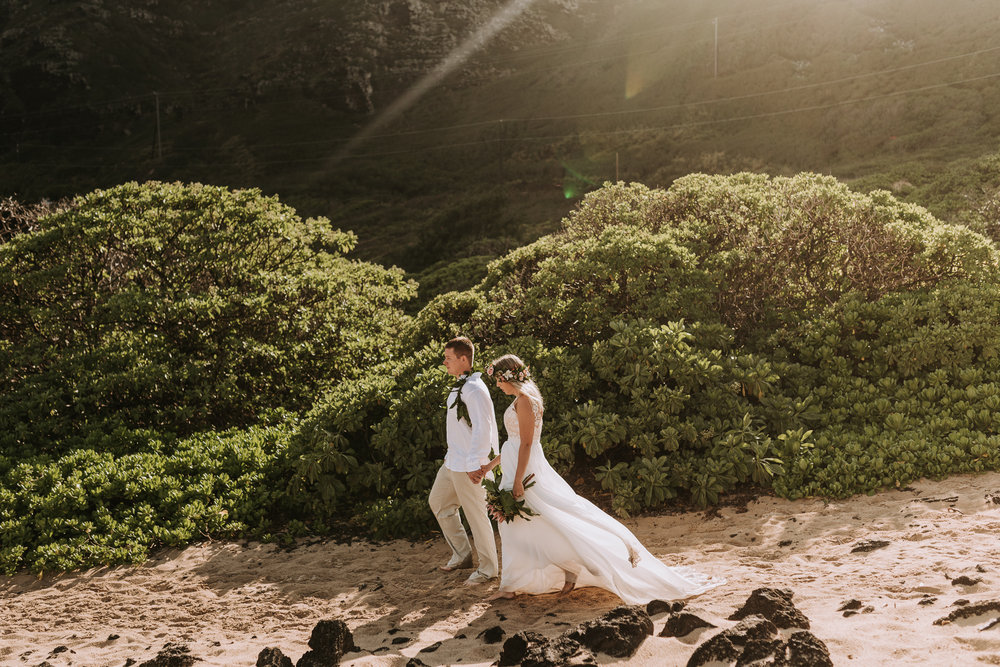 hawaii-wedding-destination-photographer-oahu-22.jpg