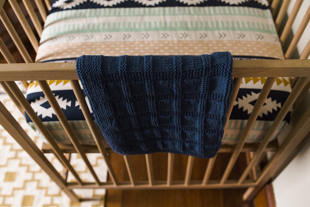 baby boy crib and quilt