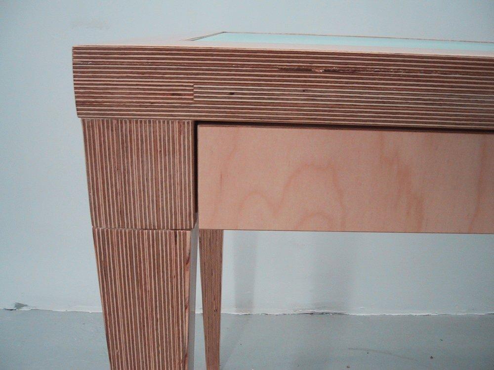 Fine Line Desk Detail 3.JPG