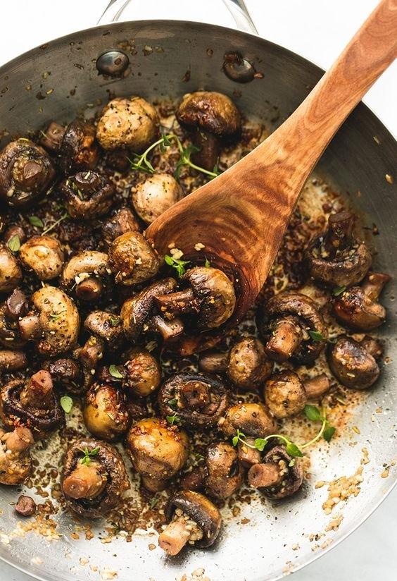 Sauteéd Garlic Butter Mushrooms