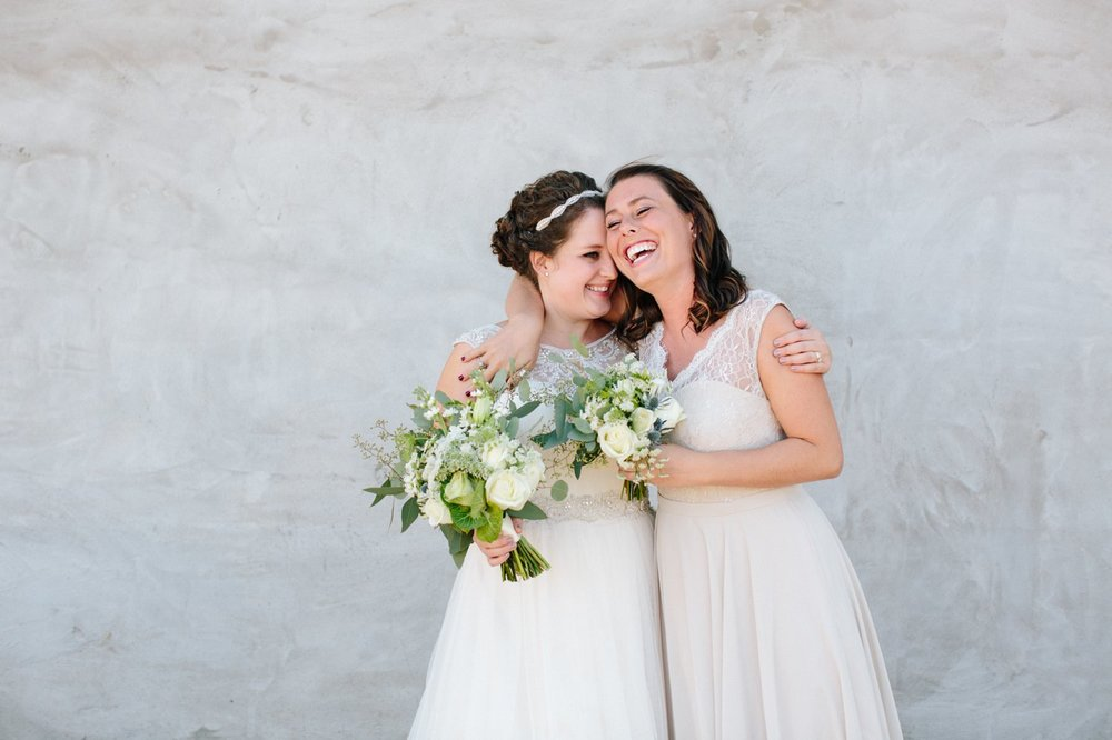 bride with sister picture