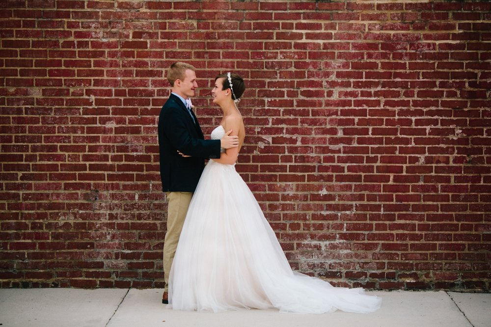 downtown chattanooga wedding bride groom