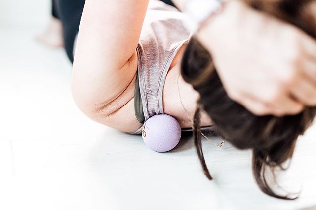 If you happened across my last post, I shared that I am feeling ALL KINDS OF overwhelmed and burnt out. . Whenever my body and mind are feeling the chaos of a hectic week, I roll around on my massage balls for a while and it truly helps my body prioritize its parasympathetic nervous system to help calm and relax. . Also, vacation helps. And I booked a flight to San Diego  this weekend to visit the incredible @dommymichelle 🧜🏽‍♀️ and of course, @stellatheenglishcreamgolden 🐾 and we are going to lay in the sun, walk on the beach, and read all the books. I couldn't be more excited ♥️ . Stress levels recognized ✔️ Anti-stress plan engaged ✔️ Commence puppy snuggles . . . . . . 📷: @comeplum  #sanfrancisco #fitness #thehappynow #personaltrainer #wellness  #fitfluential #inspo #healthy #thehappynow  #thesweatlife  #ambassador #thatsdarling #intuitivehealth  #inspiration #theassemblysf #doingthings #palmbffs #femfeed #palmcrew23 #beyourstrongest