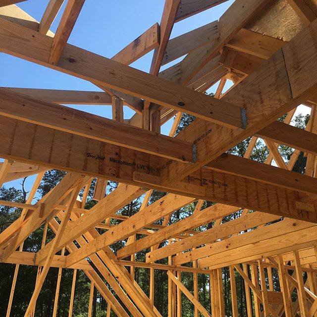 Framing is almost complete at Lot 85 Indian Creek. This second story is massive 😮