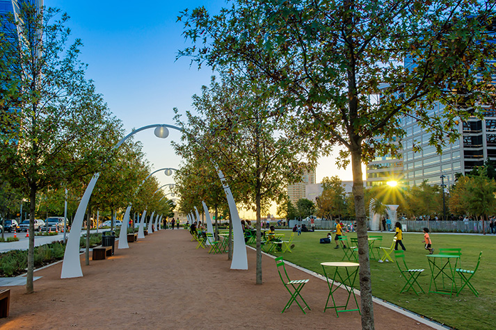 Klyde Warren Park for Dates
