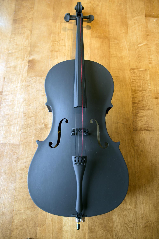 Crescendo  cello, acrylic, and red string, 2016