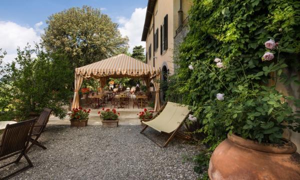 Villa-Il-Poggiale-garden-terrace.jpg