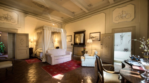 Villa-Il-Poggiale-room-suite.jpg