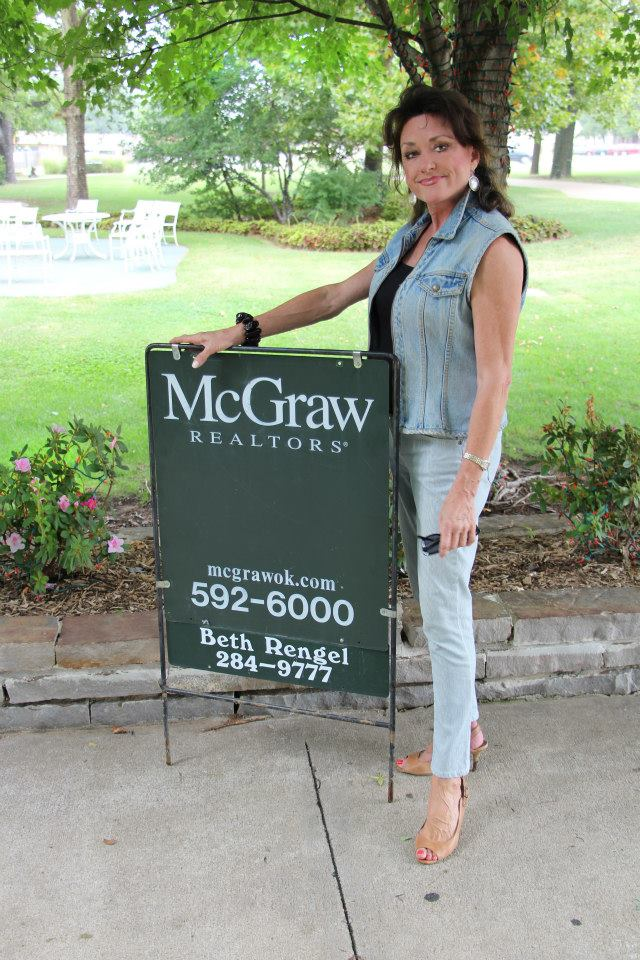 Realtor with McGraw