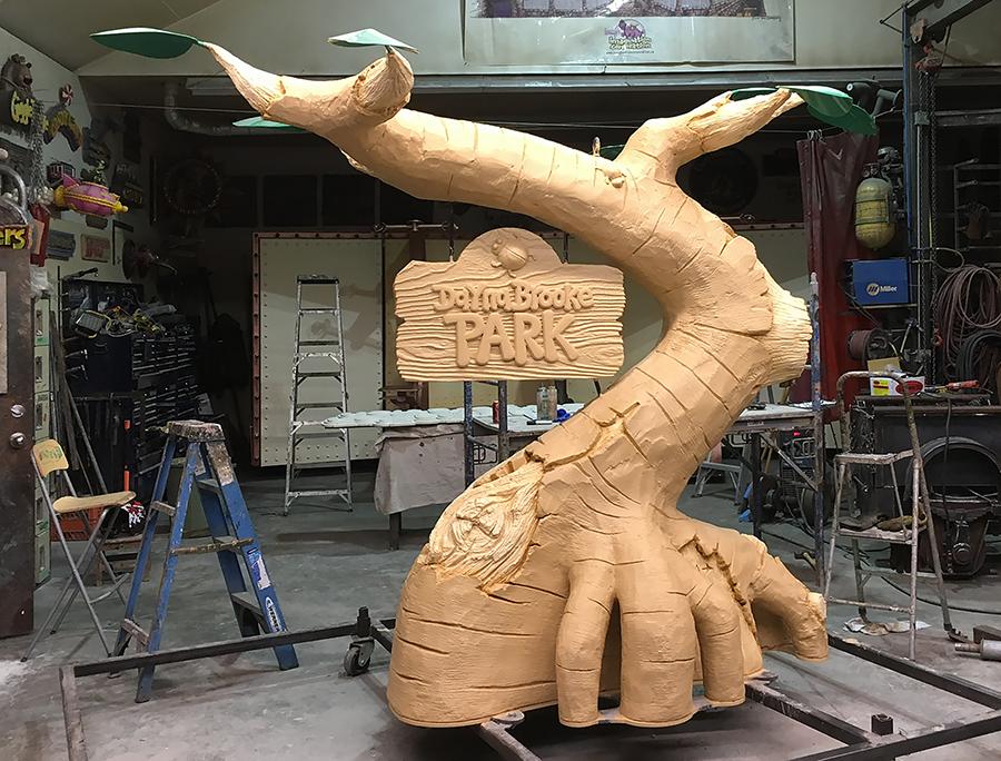 daynas tree first glaze 2.png