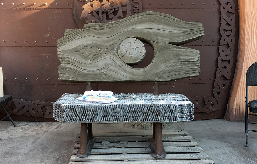bench back sculpted.png