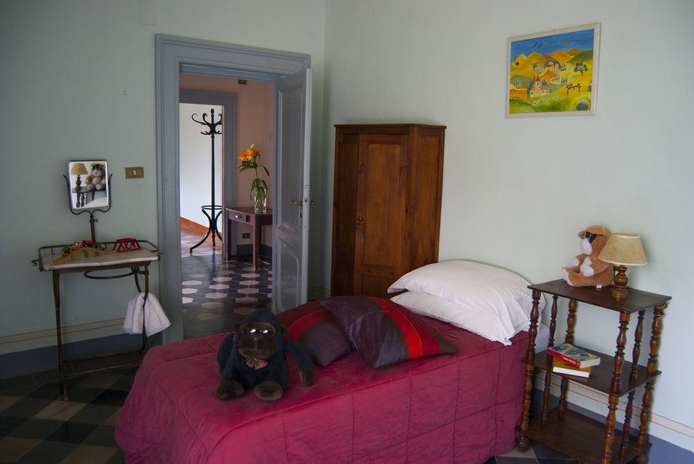 childrens room in 2 interconnecting rooms , main house.jpg