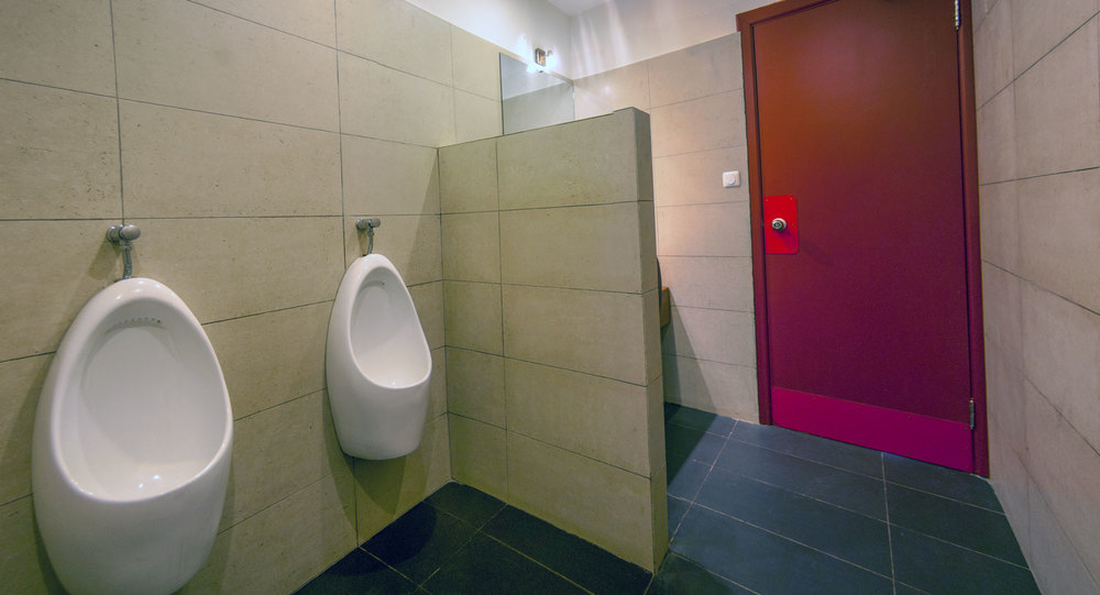 Allians---Toilettes-Homme-01.jpg