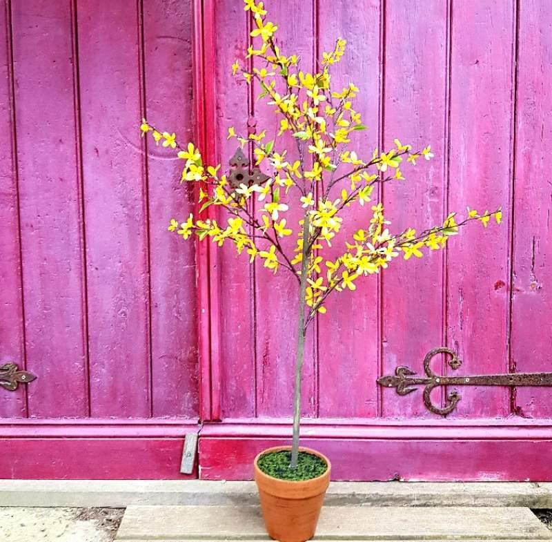gisela-graham-easter-tree-forsythia-.jpg
