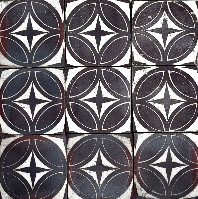 "Repeating 4"" Asia tile in Cast Iron"