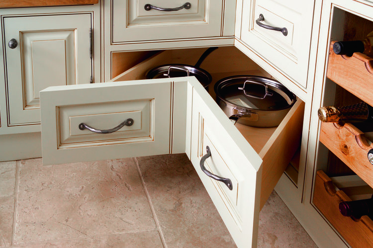 Handmade-kitchen-Corner-Pan-Drawers.jpg