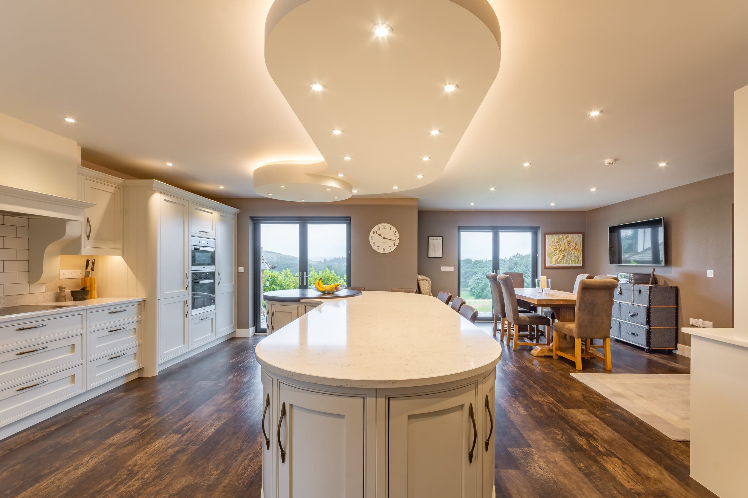Looking for an open plan kitchen with a large island ...