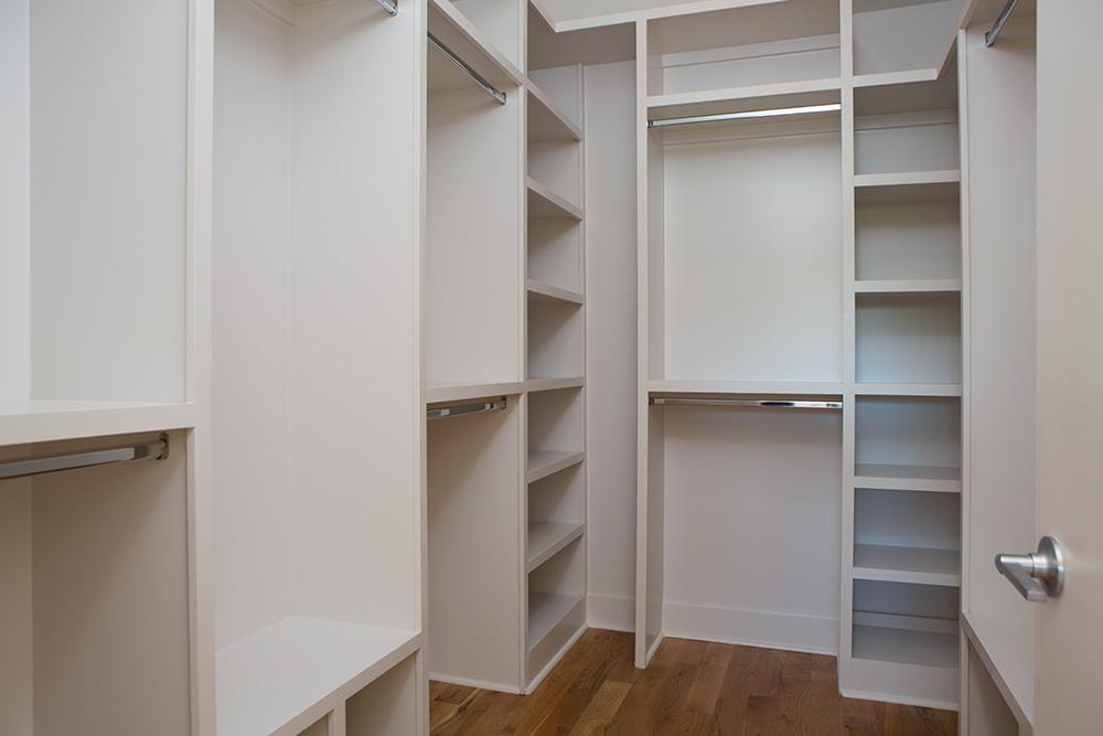 1503_closet_1.jpg