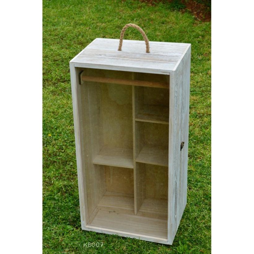 """Κουτί βαπτιστικών """"ντουλάπα"""" με plexi glass. ΚΩΔ: ΚΒ007"""