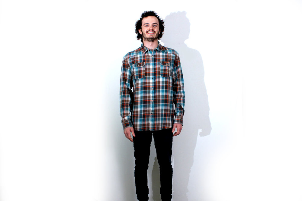 Modern Twist LS Button Up - Olive/Spruce